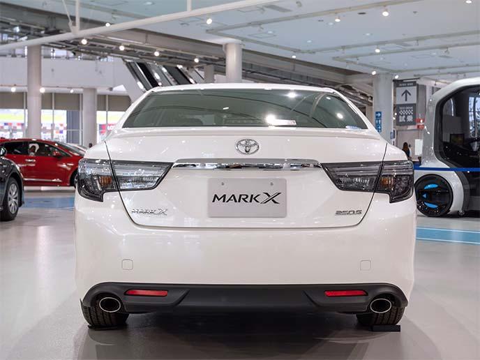 マークX 250Sのリアビュー