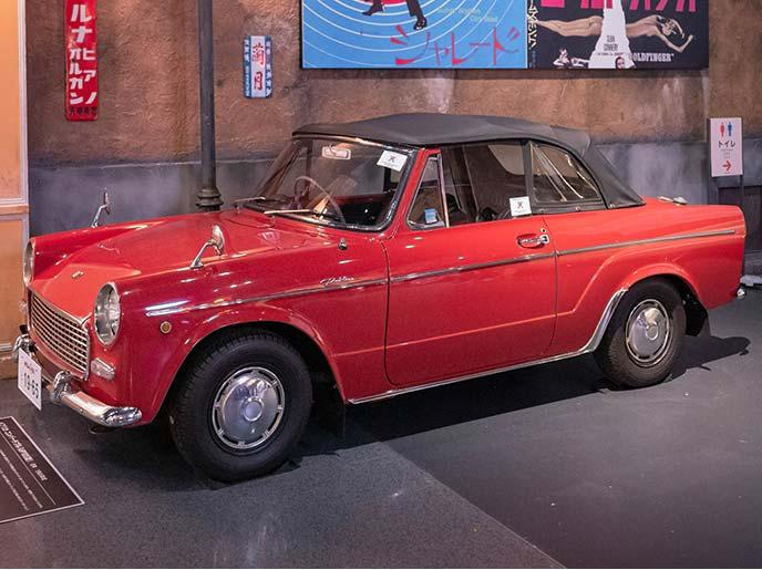 トヨタ パブリカコンバーチブルUP10S型のサイドビュー