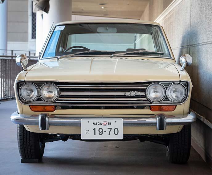 ダットサン ブルーバード1600 SSS P510型 1970年式のフロントビュー