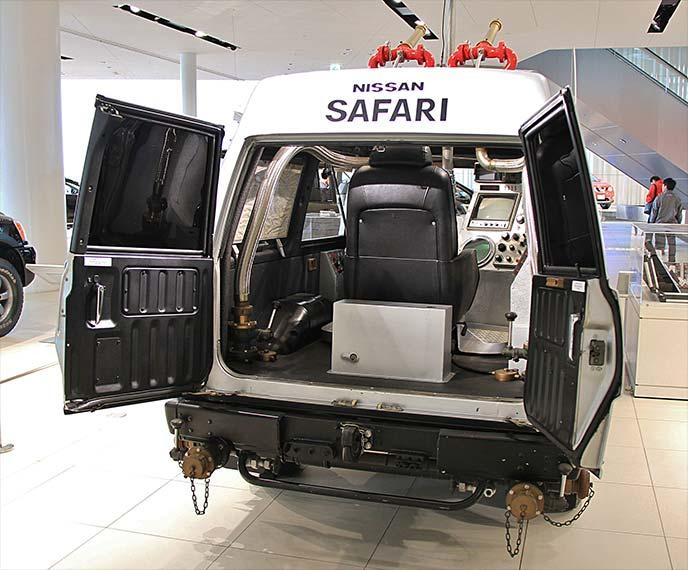 西部警察特別機動車両サファリ4WDのラゲッジルーム