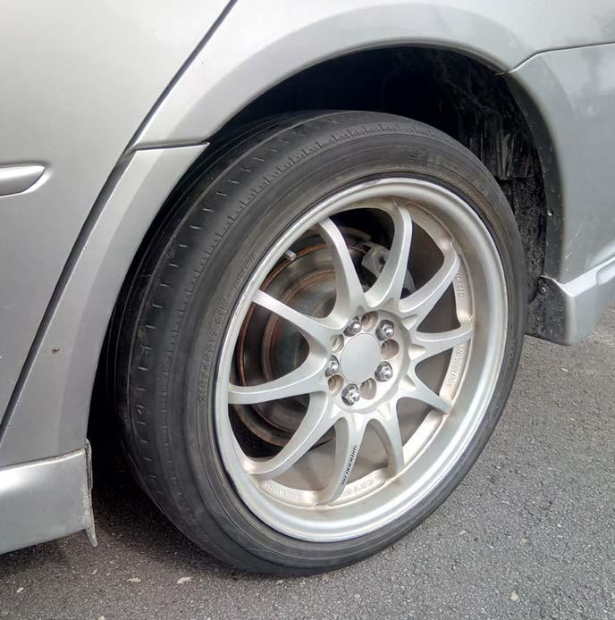パンク修理後のタイヤ