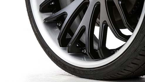 扁平タイヤとは?薄いタイヤのメリットとおすすめブランド8選