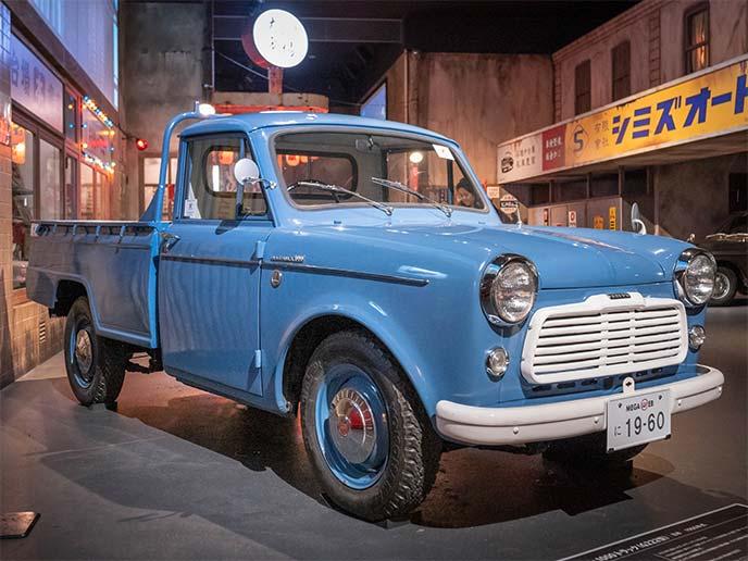 ダットサン 1000 トラック(G222型)1960年式の右サイドフロントビュー