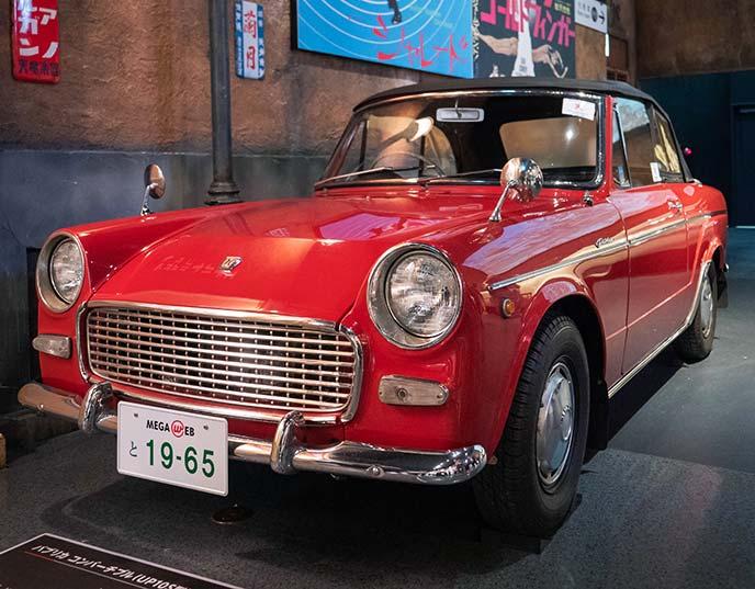 パブリカ コンバーチブル  UP10S型 1965年式の左サイドフロントビュー