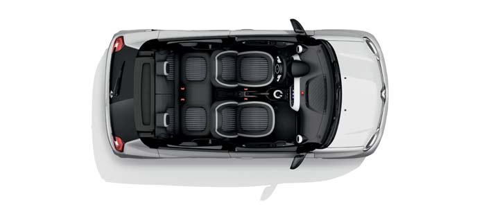 コンパクトながら充分な広さを確保したトゥインゴZ.E.の車内