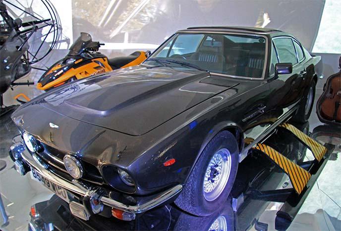 アストンマーティン・V8 ヴァンテージ