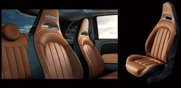 Abarth 595 Competizione Stileの内装シート
