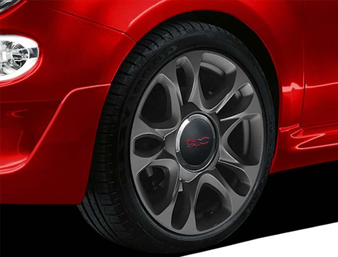 500S専用の15インチアルミホイールと185/55R15タイヤ
