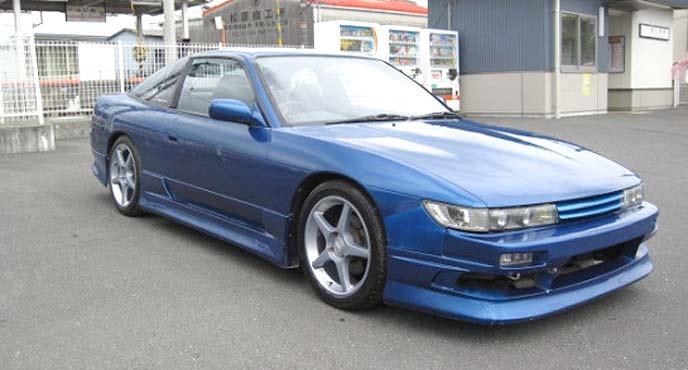 佐藤真子搭乗車を思わせるブルーのシルエイティ