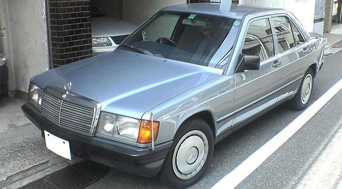 メルセデス・ベンツ初の5ナンバー車だったW201型