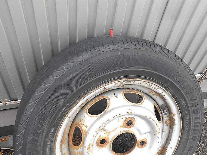 タイヤへのエアー入れは20分~30分経過後