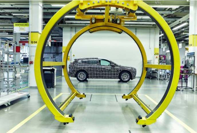 BMW iNEXTのプロトタイプ