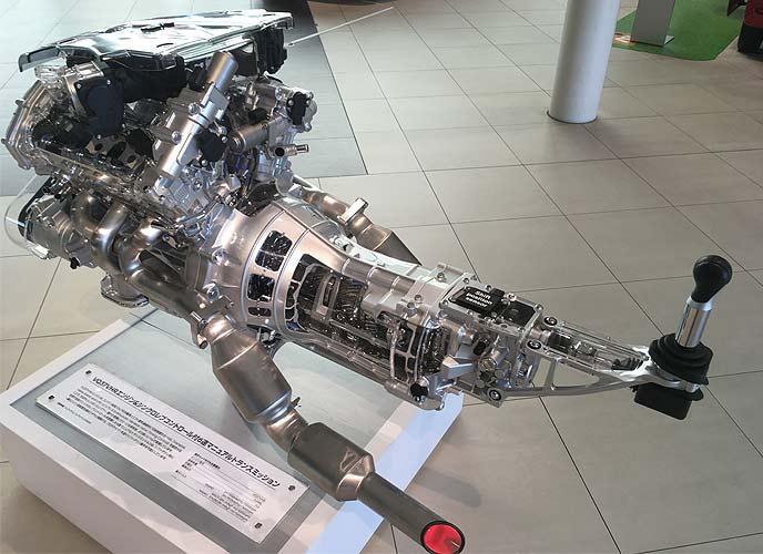 6代目フェアレディZに搭載されているVQ37VHR型エンジン