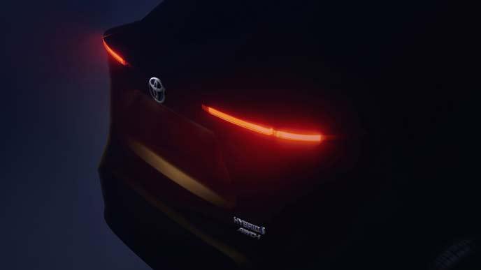 トヨタ新型コンパクトSUVのティザーイメージ