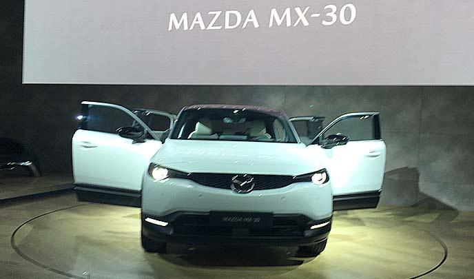 新型MX-30のエクステリア