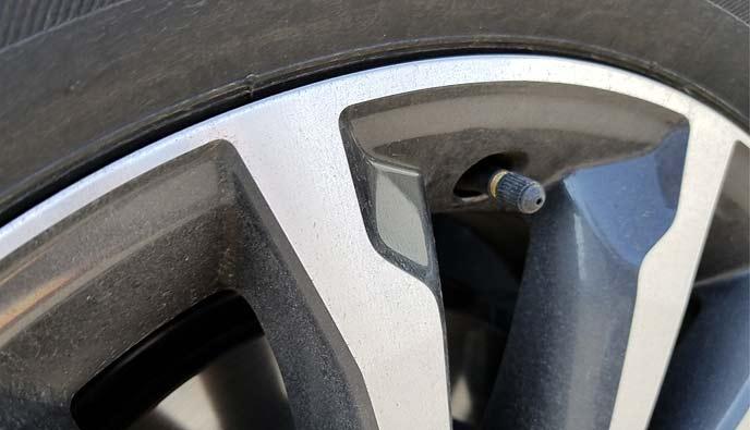 タイヤの空気穴