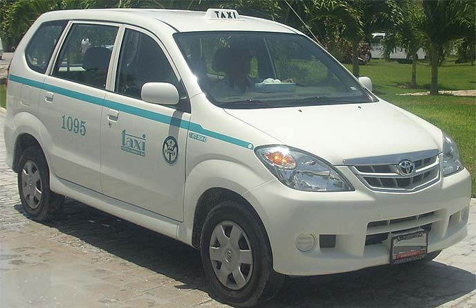 初代アバンザ(2004~2011)