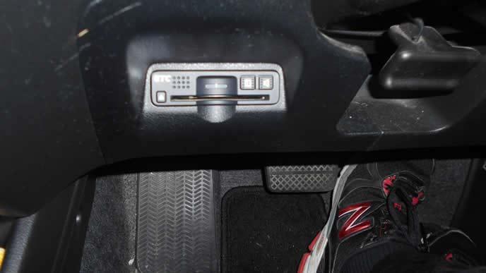 ビルトイン式のETC車載器