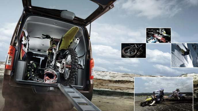 NV350キャラバントランスポーターのエクステリア