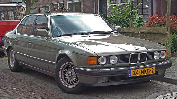 E32型BMW735iのエクステリア