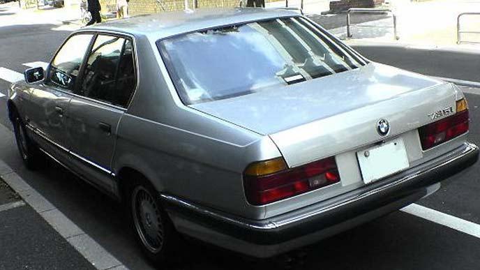BMW735iのリヤのエクステリア
