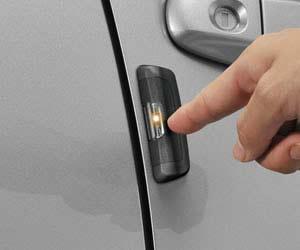 おすすめの静電気除去グッズCarmate  静電気除去 貼付けタイプ レジテックブラック DZ463