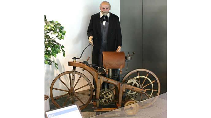 ダイムラーの自動二輪車